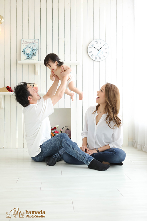 家族で高い高い1歳誕生日