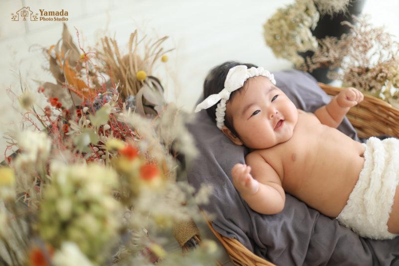 赤ちゃんニコニコ写真裸ん坊baby